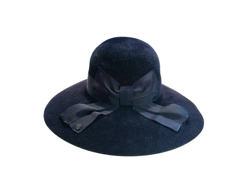 596604ee640 Large brim felt hat with